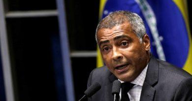Romário apresenta projeto que proíbe punição a atletas por manifestação política