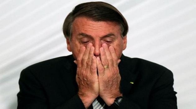 Sob vaias, Bolsonaro ouve sermão crítico no Santuário de Aparecida