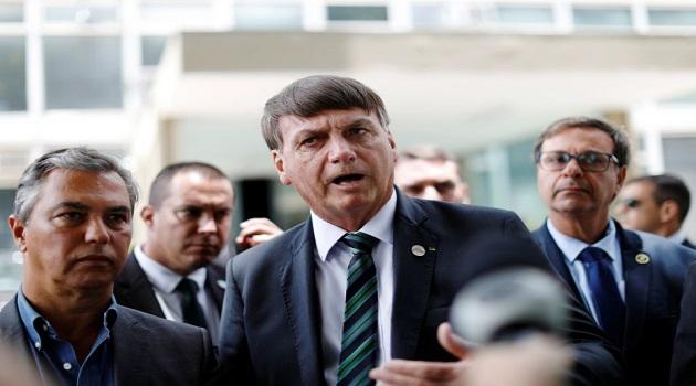 Em encontro privado, Bolsonaro diz que latas de leite condensado são para 'enfiar no rabo da imprensa'