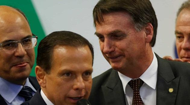 Doria chama Bolsonaro de oportunista por surfar a Coronavac