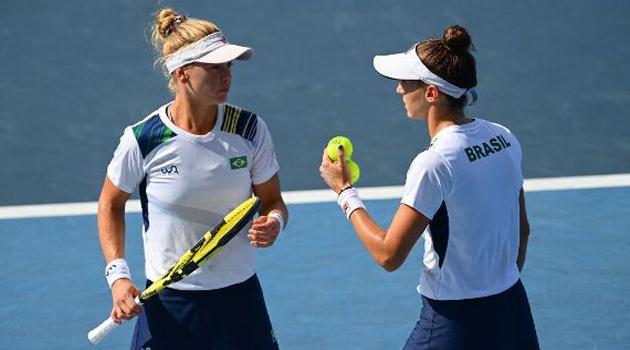 Olimpíadas: Stefani e Pigossi salvam 4 match points, conquistam o bronze e ganham primeira medalha da história do tênis brasileiro