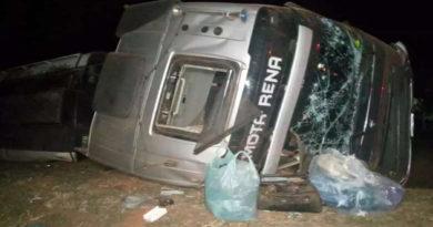 Motorista morre ao tombar caminhão-tanque na BR-163